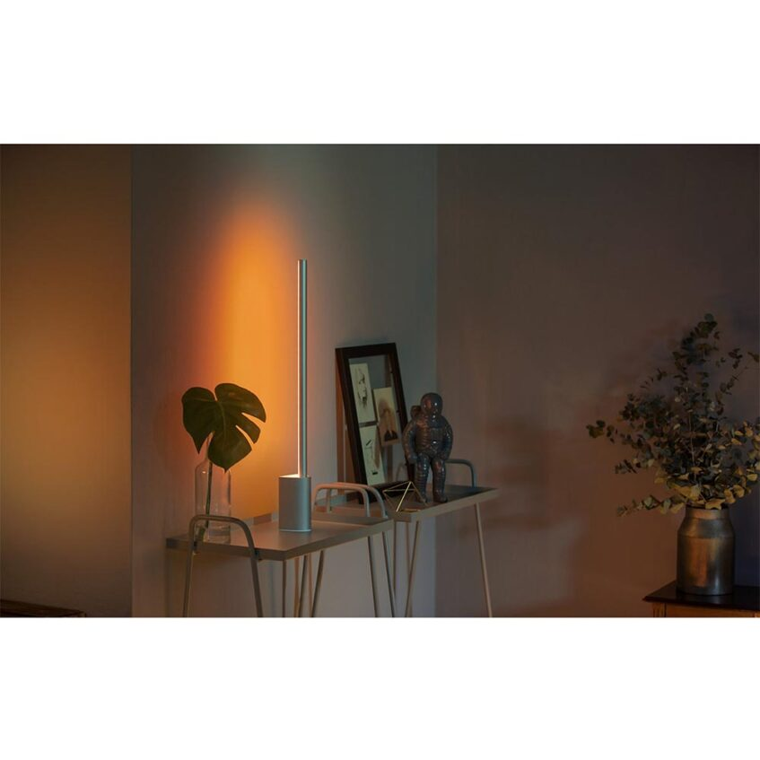 HUE SIGNE TABLE LAMP LIFESTYLE 3